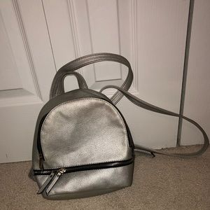 Handbags - small silver backpack